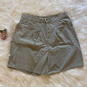 Vtg Cherokee Size 18 Sage Green Mom Jean Shorts
